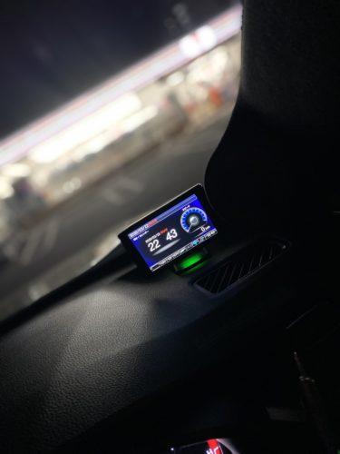 高性能なレーダー探知機コムテックZERO807LVは、感度も良くWi-Fiでデータ更新も出来ます♪