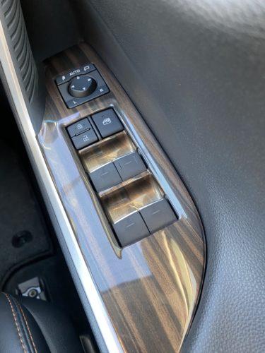 セカンドステージのドアスイッチパネルで新型RAV4の内装を簡単DIY!高級感ある内装にカスタムします!
